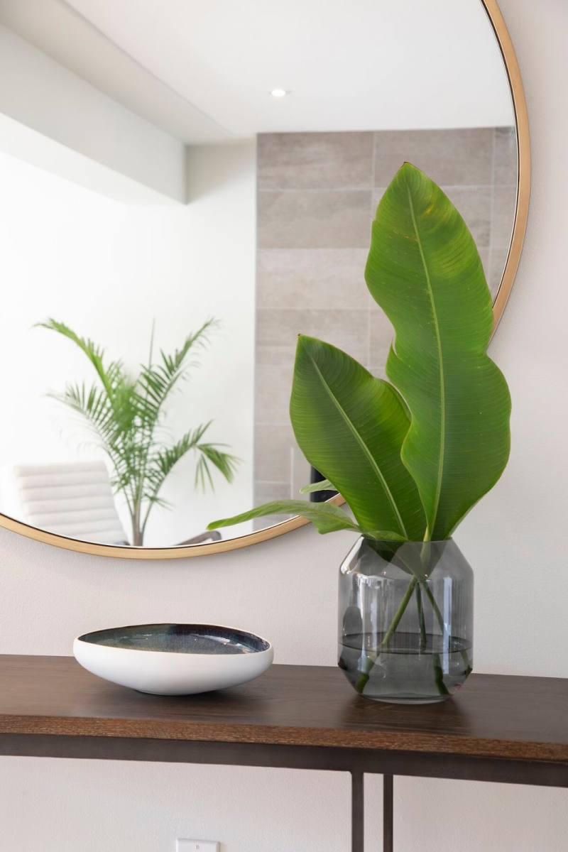 miami interior design console plant vase accessories entryway mirror